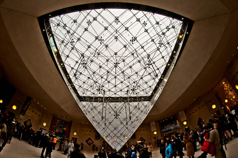 louvre-glaspyramide