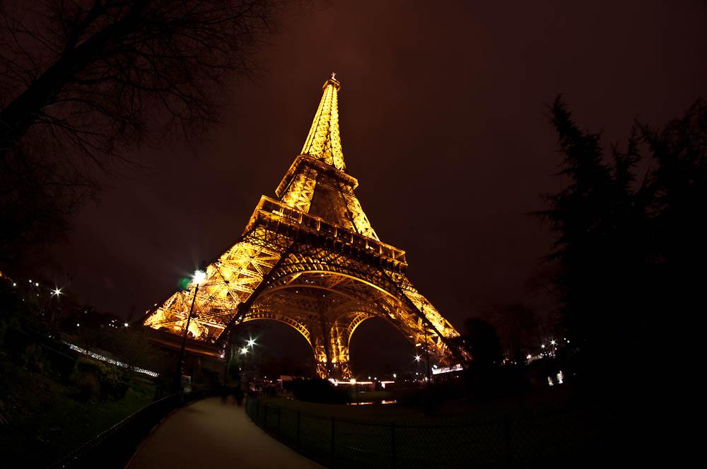paris-bei-nacht-eiffelturm