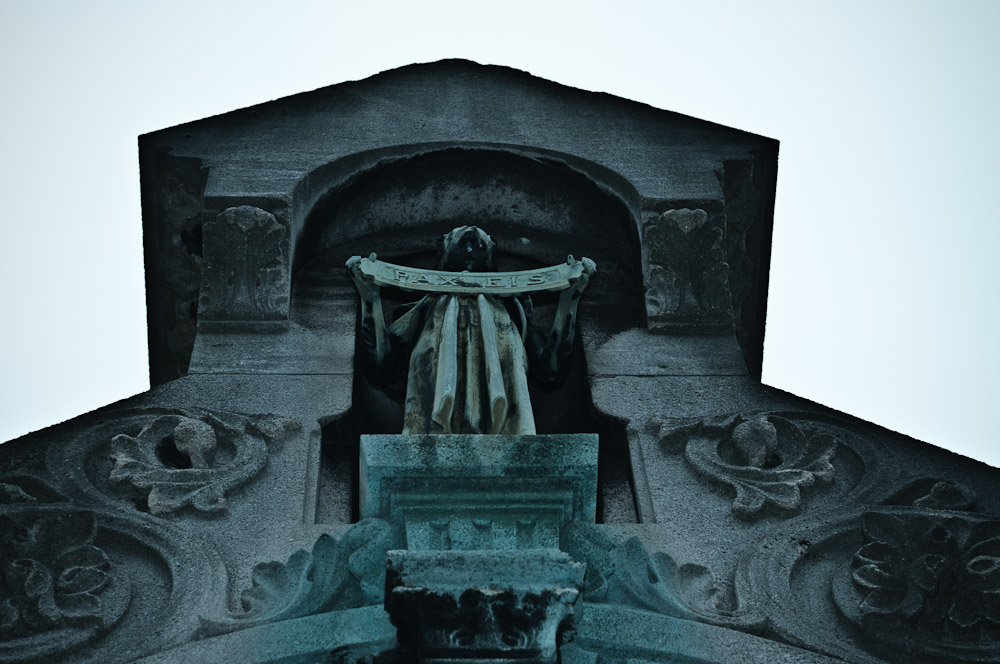 pere-lachaise-engel-kruft