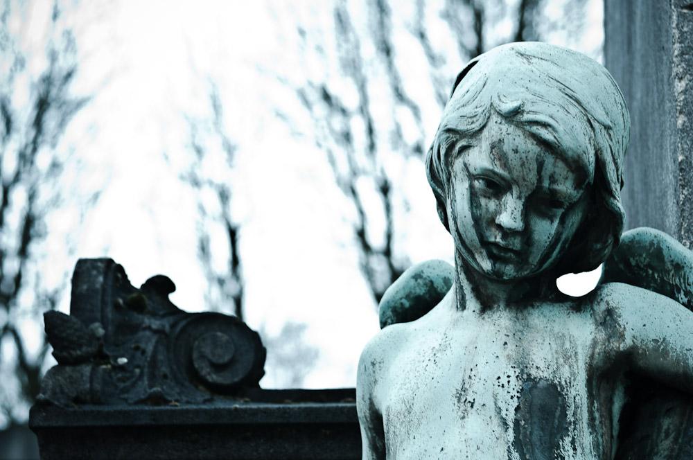 pere-lachaise-melankolischer-engel