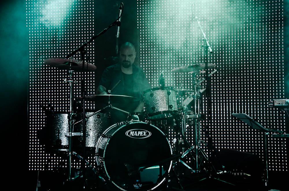 leon-taylor-gibson-club-frankfurt-drums
