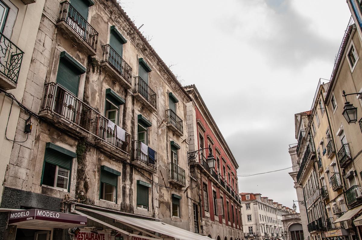 lissabon-portugal-hauserschlucht