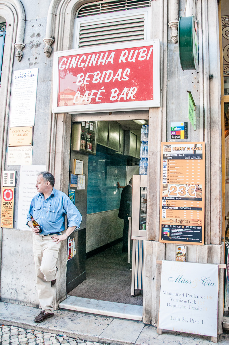 lissabon-portugal-kiosk-kleines-bier