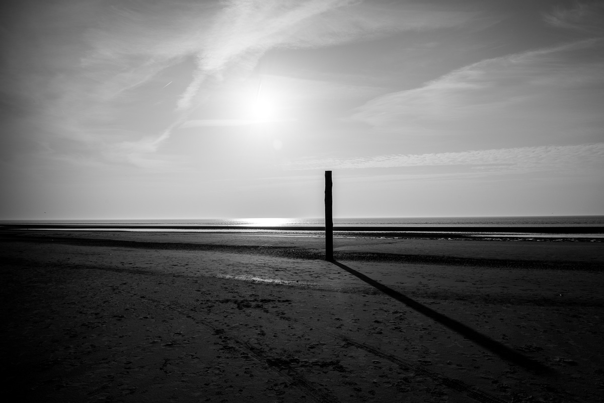 st-peter-ordingen-black-white-beach